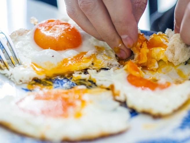 Colesterolo totale, buono e cattivo: quale misurare? Come abbassarlo?