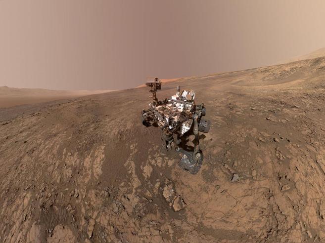 Marte come non l'avete mai visto: le nuove  immagini della sonda Curiosity: video