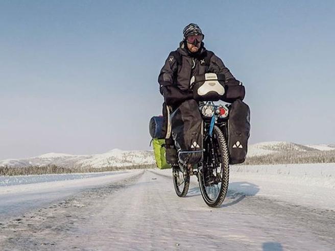 Dino, vagabondo in bicicletta  dalla Siberia all'Italia  (a -45°)