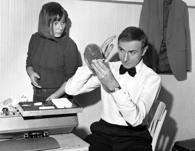 Sanremo '68: l'esordio di Baudo Armstrong e  Adriano polemicoIl Festival in 53 foto simbolo
