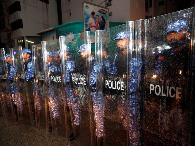 Maldive nel caos,  «stato di emergenza»  nel paradiso dei turisti: arrestato ex presidente