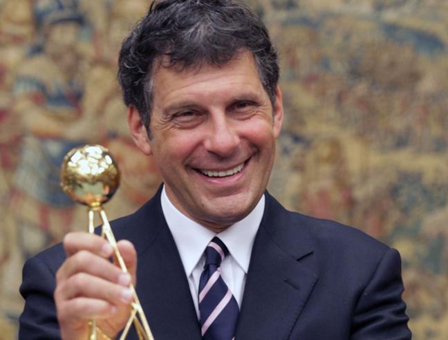 Fabrizio Frizzi compie 60 anni: la carriera, la malattia, la famiglia