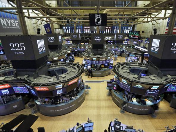 Dal mondo/Usa, crolla Wall Street: Dow Jones -4,62%.