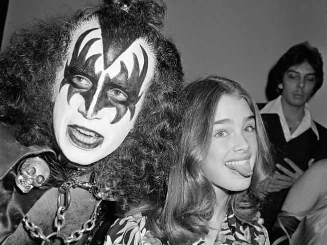 Attori e cantanti al naturale: il volto umano delle rockstar in 43 foto