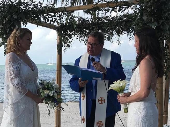 Maestra sposa la sua fidanzataLa scuola cattolica la licenzia