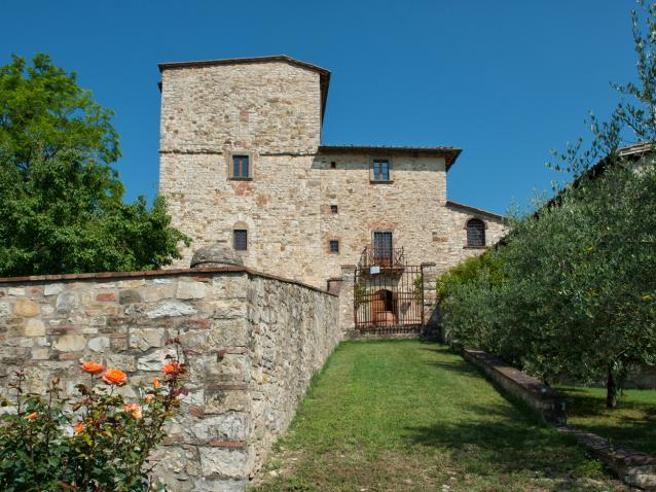 In vendita per 7,5 milioni di euro la villa   di Michelangelo: la storia