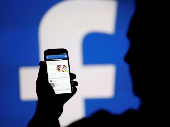 Facebook e la condanna in Belgio: «Smetta di raccogliere i dati sugli utenti»
