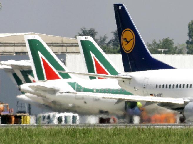 Alitalia, «ostaggio» della battaglia europea tra Air France e Lufthansa