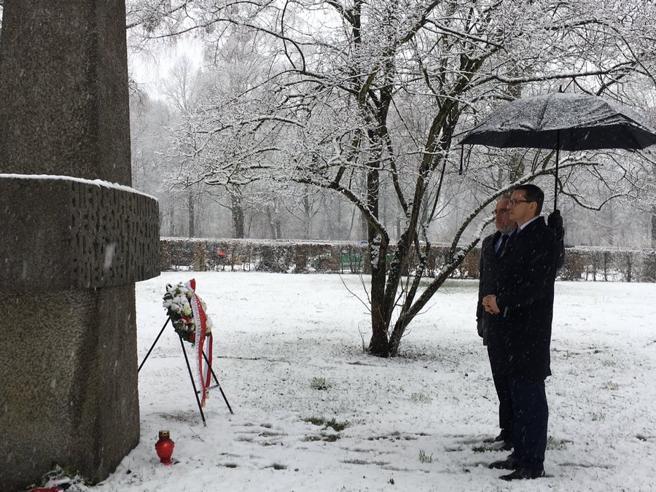 Shoah, il premier di Varsavia non si scusa e offende ancora