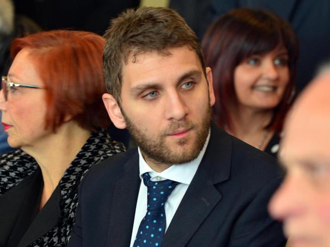 Corruzione, Roberto De Luca si dimette e accusa: «Provocazi