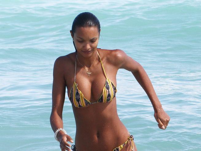 Lais, Francesca, Alessandra, Sara: tra  Miami e Caraibi è tempo di bikini per  modelle e attrici