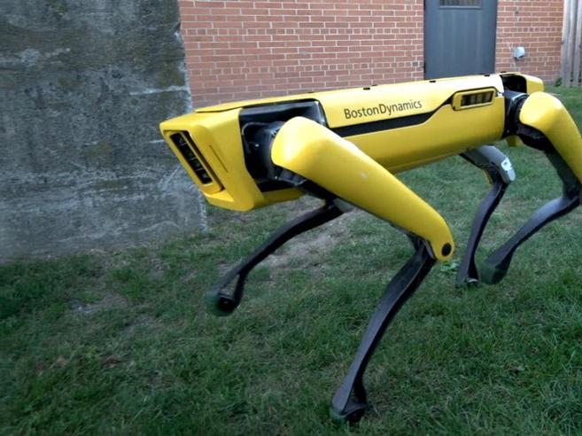 Corre e apre le porte: ecco il robot che spaventa gli Usa|Il video
