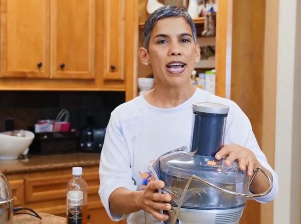 Curava il cancro con la dieta vegana, morta la Youtuber Mari Lopez
