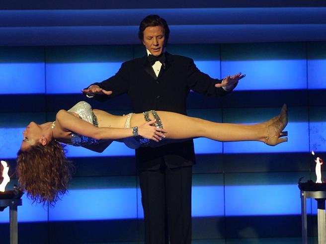 Silvan il mago: «Berlusconi? Andai tre volte a casa sua, ha carisma: sa turlupinare»
