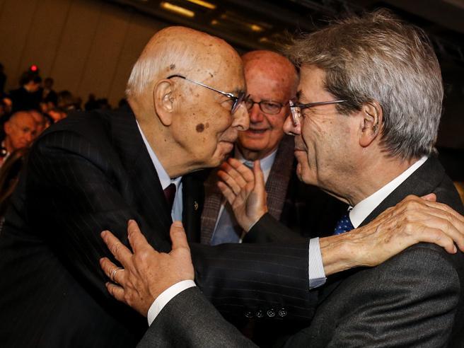 Napolitano in campo per Gentiloni: «È essenziale per la gov