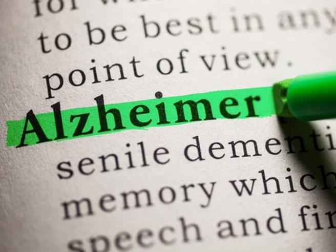 Esagerare con l'alcol aumenta il rischio di Alzheimer