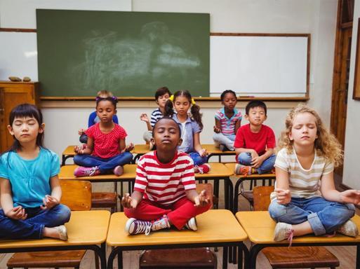 Bambini stressati? Niente pauraArriva il monaco buddhista in classe