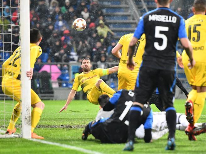 Atalanta un?altra beffa nel finale 1-1 con il Dortmund: è eliminata