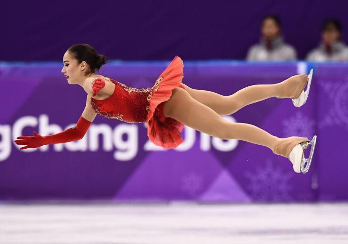 Nel pattinaggio trionfa Alina, 15enne russa. Un onorevole quinto posto per Carolina