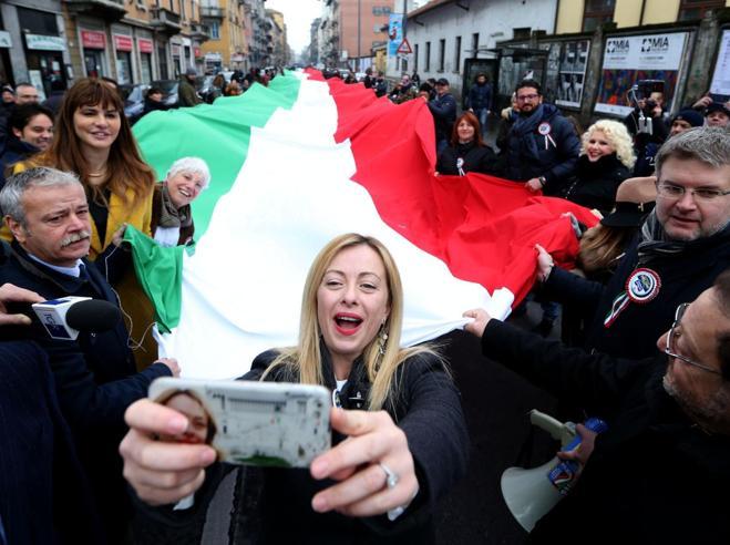 Meloni    dice  no alle aperture  di  Berlusconi a Emma Bon