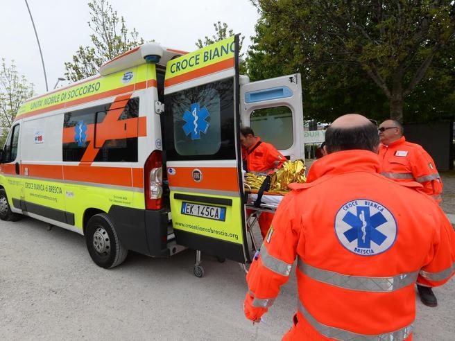 Incendio in discoteca a Desenzano, 17 persone portate in ospedale