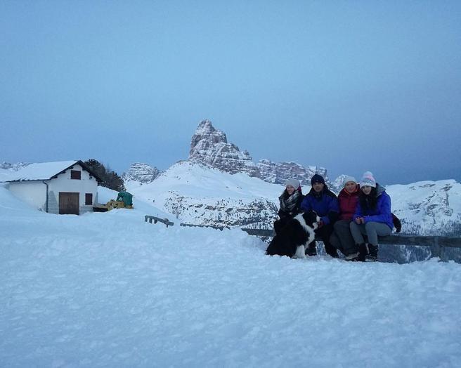 La famiglia che vive in un rifugio a 2.000 metri«Burian non ci spaventa»