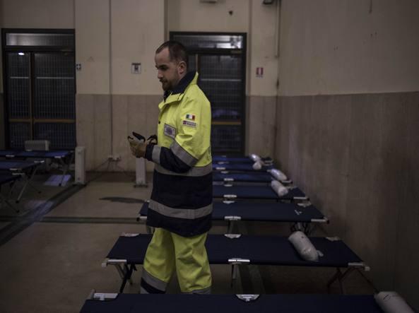 Un clochard muore a Milano