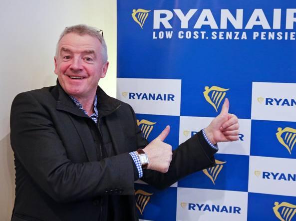 Ryanair lancia 37 nuove rotte, anche in Giordania. E O'Leary elogia Alitalia