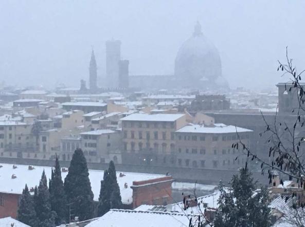 Imbiancate Milano, Genova e Firenze. Piogge al centro-sud