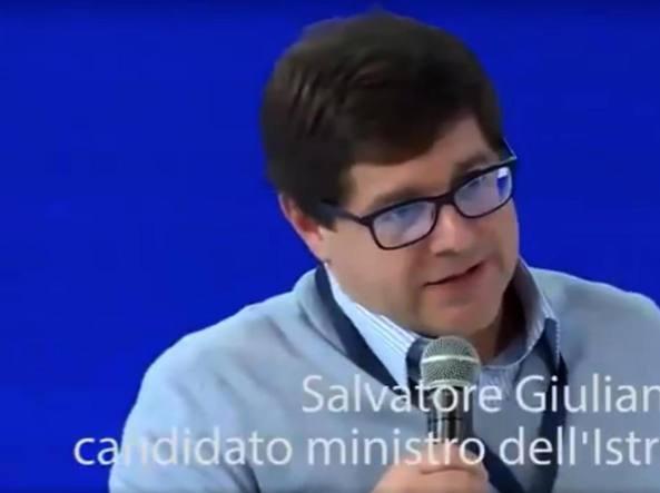 Grillo: