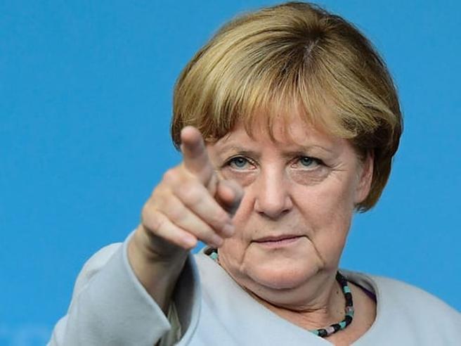 Germania, la base Spd ha deciso: sì a  Grande Coalizione con Merkel