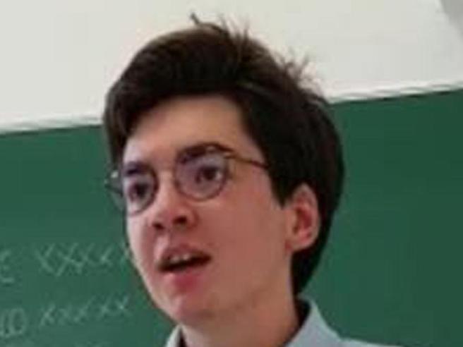 Marco Boni,   il 16enne scomparso,  trovato morto   nel lago di Garda Il video