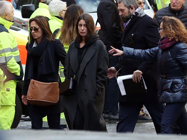 Funerali Astori, da Buffon a Totti il mondo del calcio piange il capitano della Fiorentina |Il ricordo