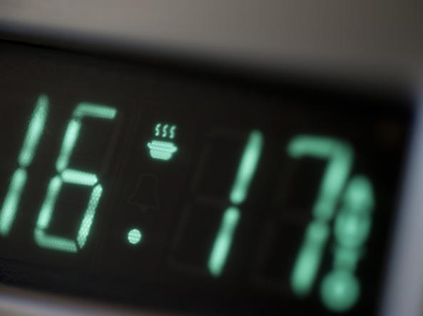 Orologi in ritardo di 6 minuti
