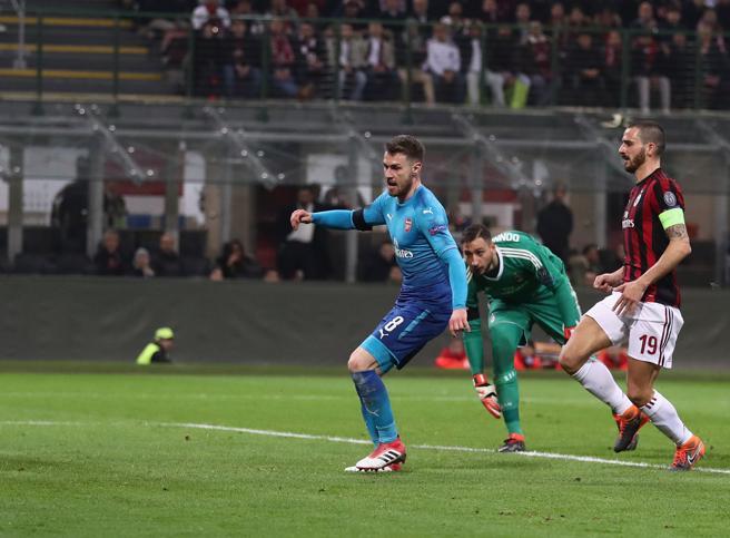 Milan-Arsenal 0-2,   finisce l'imbattibilità lunga due mesiOra Lazio-Dinamo Kiev 0-0