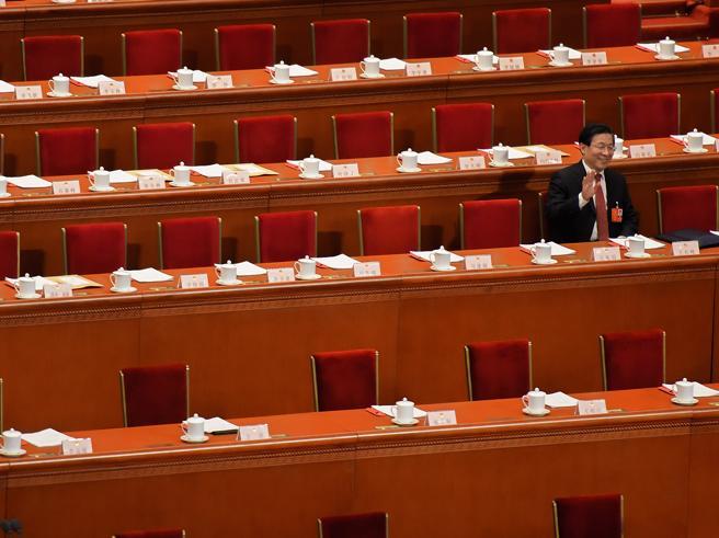 Xi presidente a vita: chi sono i 5 deputati che hanno detto no?