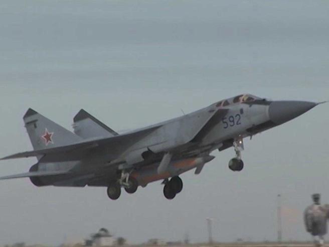 """Russia: testato con successo missile ipersonico """"invulnerabile"""""""