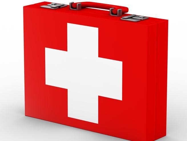 Cassetta di primo soccorso: cosa metterci per essere preparati a (quasi) tutto