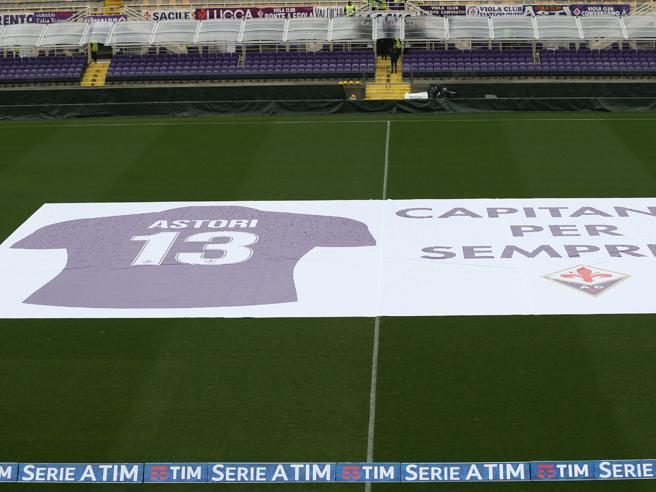 Fiorentina-Benevento 1-0, l'omaggio dei tifosi al Franchi a Davide Astori