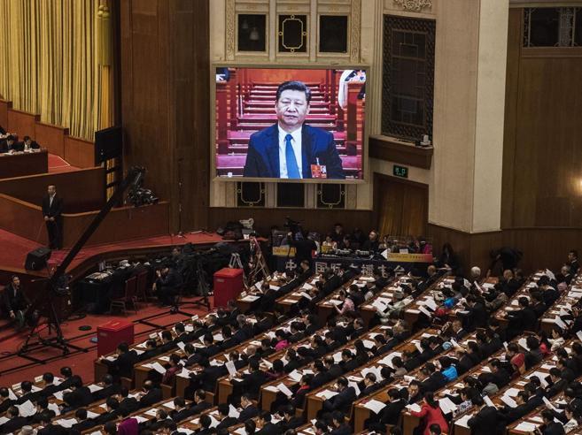 Cina e Russia, le autocrazie salde (mentre l'Occidente va a «zig zag»)