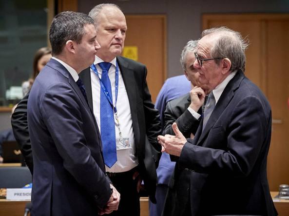 Padoan, Ue faciliterà transizione con nuovo Governo