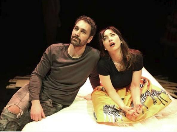 Raoul Bova e Chiara Francini in Due