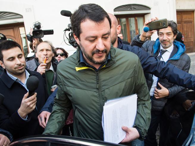 Salvini: «Governo con M5S? Su Di Maio nessun pregiudizio. No aumento Iva»