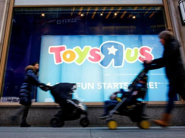 Toys R Us chiede procedura bancarotta