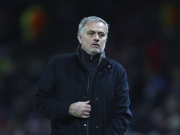 Mourinho, 12 minuti di monologo per difendersi: