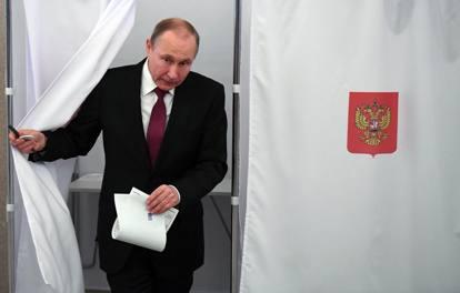 La Russia al voto: 100mila seggi, 11 fusi orari