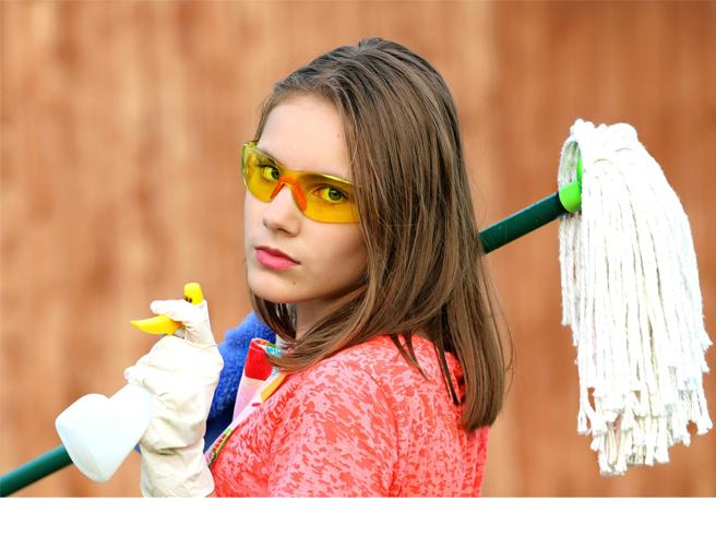 Dal frigorifero alla tenda della doccia, 17 cose che ci si dimentica di pulire