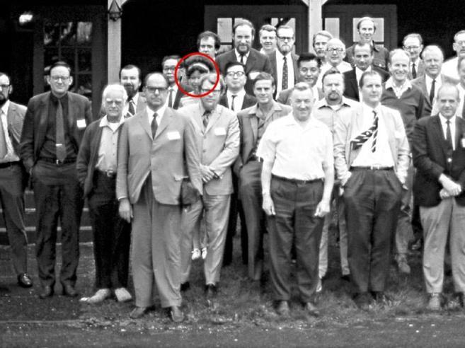 Quella foto del 1971 e la ricerca all'unica donna su 38 scienziati