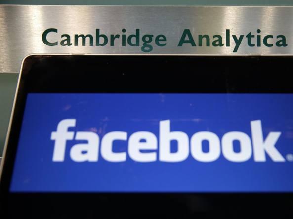 Facebook continua a perdere terreno. Zuckerberg convocato da Commissione UK