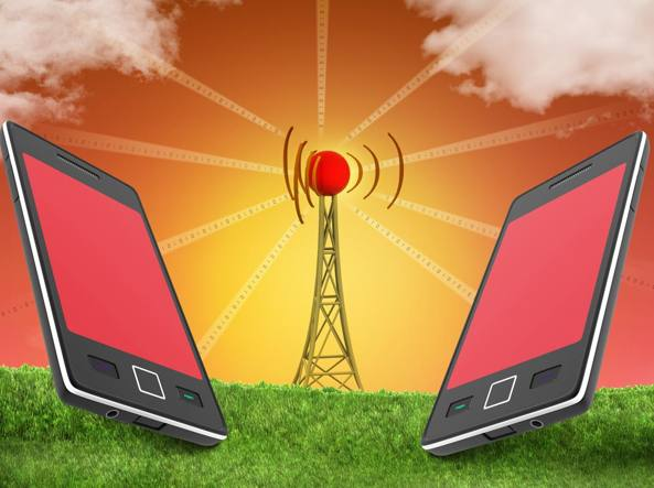 Allarme Codacons: i cellulari causano il cancro